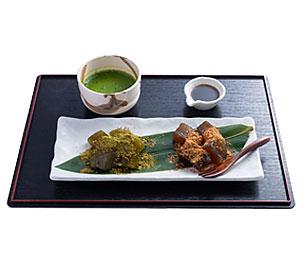 わらび餅(抹茶と黒糖)